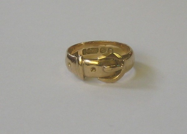 a 9ct gold buckle ring 18th february 2009