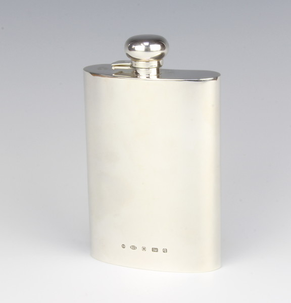A modern silver hip flask of plain form, 13cm, 212 | 10th